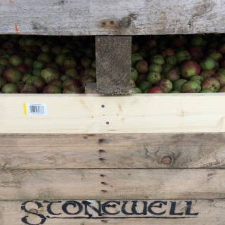 Stonewell Cider - premium craft cider made with natural ingredients